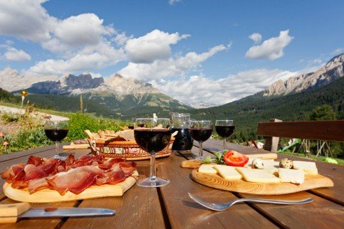 Farm inn Stadlalm – Dishes of wild game, South Tyrolean cuisine and Tyrolean specialties